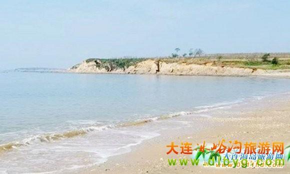 大连海岛旅游 >> 卧龙滩度假村提示您:来冰峪沟的朋友,石城岛也很好玩
